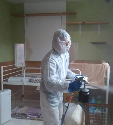 施設内の除菌を行いました。
